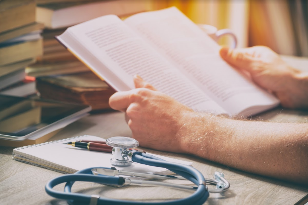 Medical Student Reading Medview