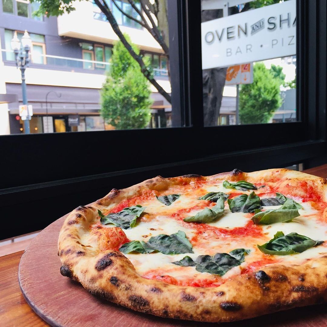 Oven and Shaker Margherita Pizza