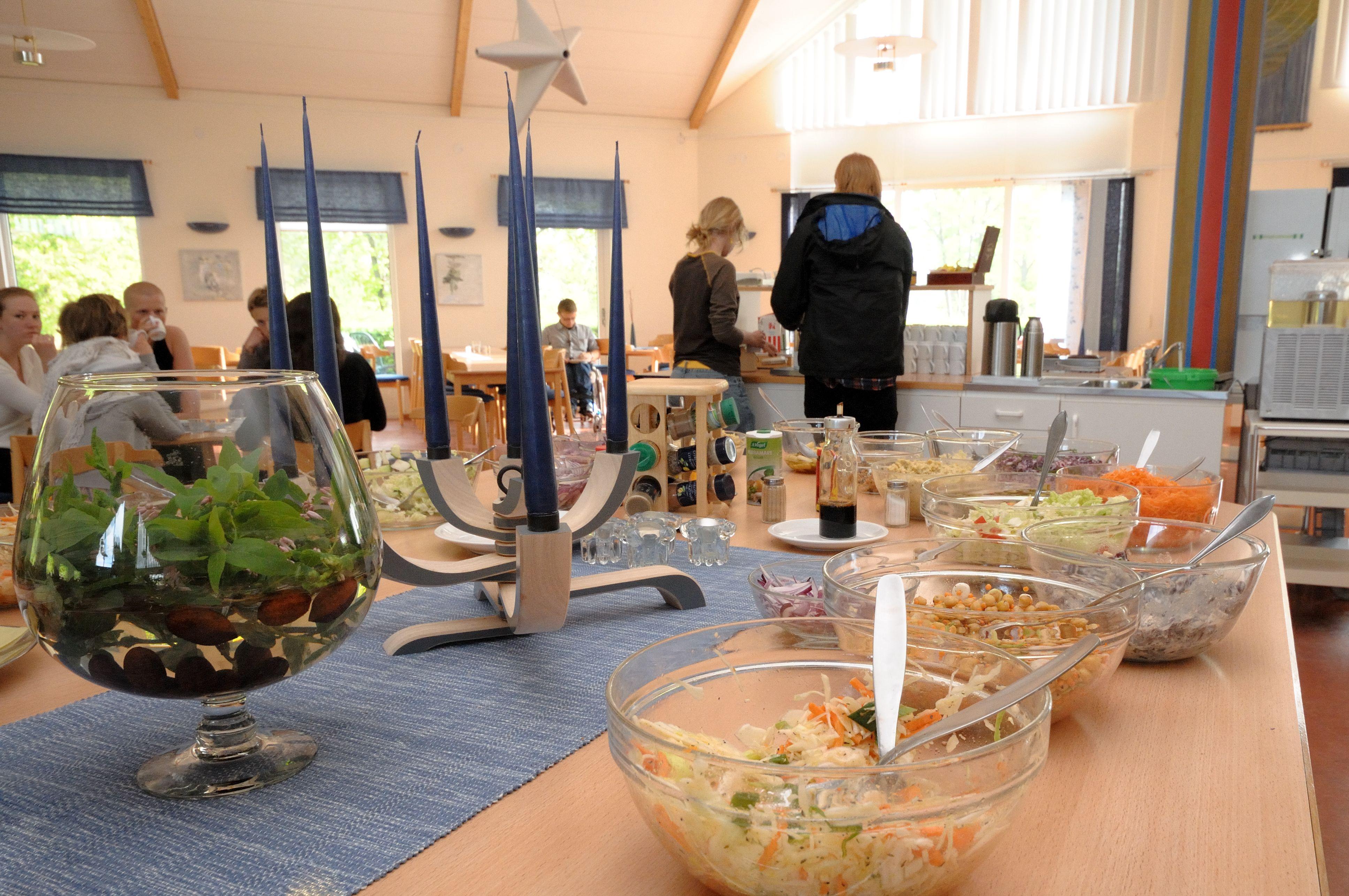 Dagens lunch salladsbuffé Liljeholmen Matsal
