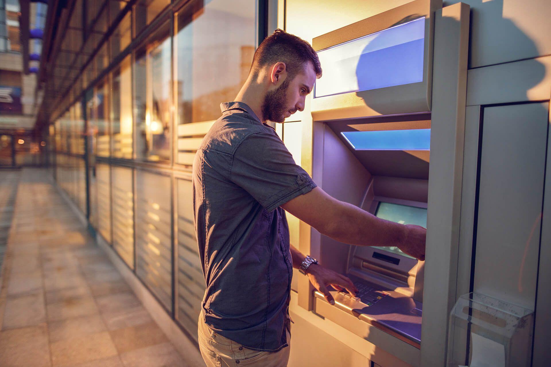Pojednostavi svoj život. Promijeni PIN. PIN svoje Diners Club kartice sada možeš u nekoliko jednostavnih koraka i bez naknade promijeniti na svakom bankomatu Erste banke.