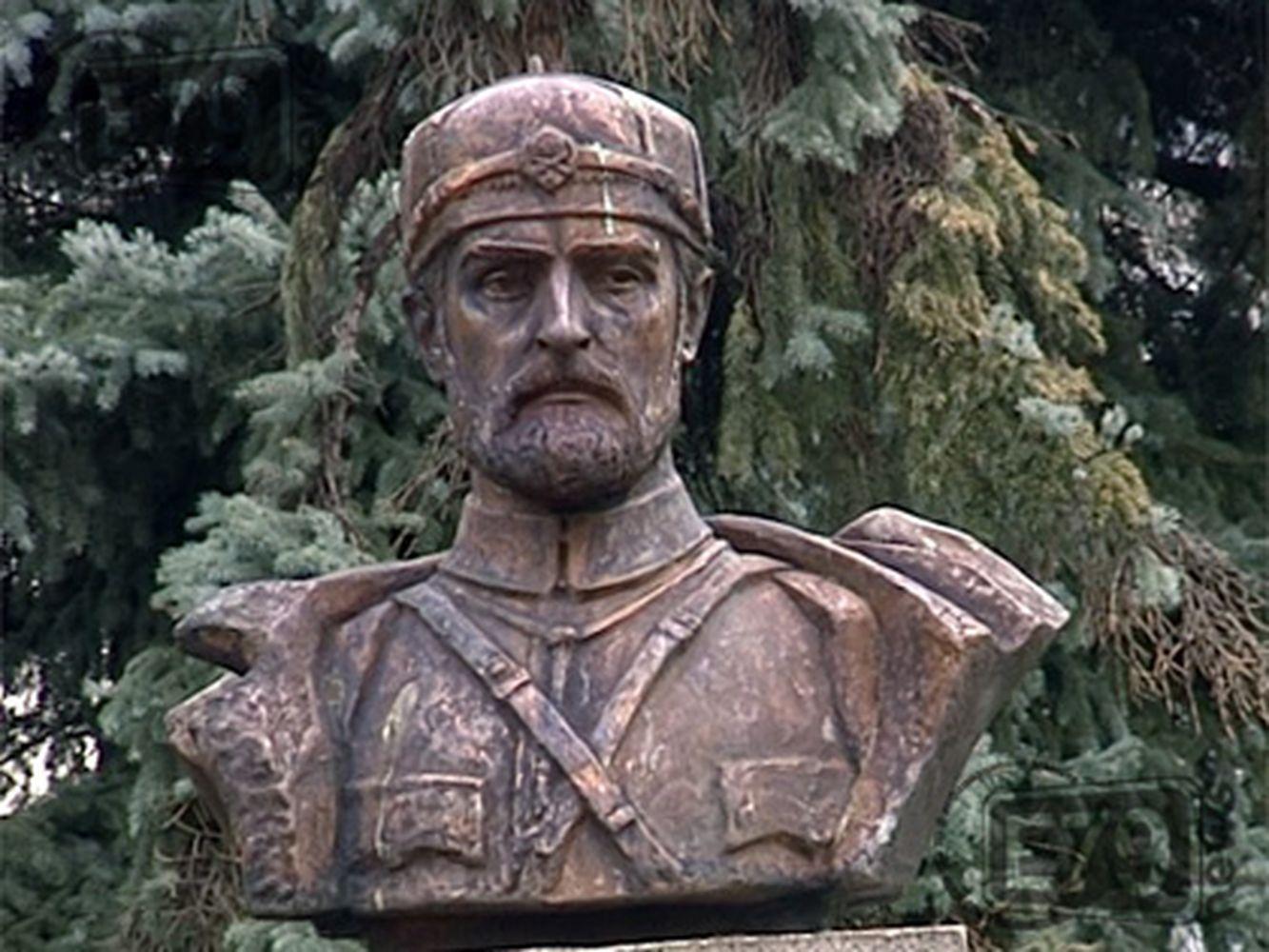 Бюст-паметник на Тодор Александров - Благоевград