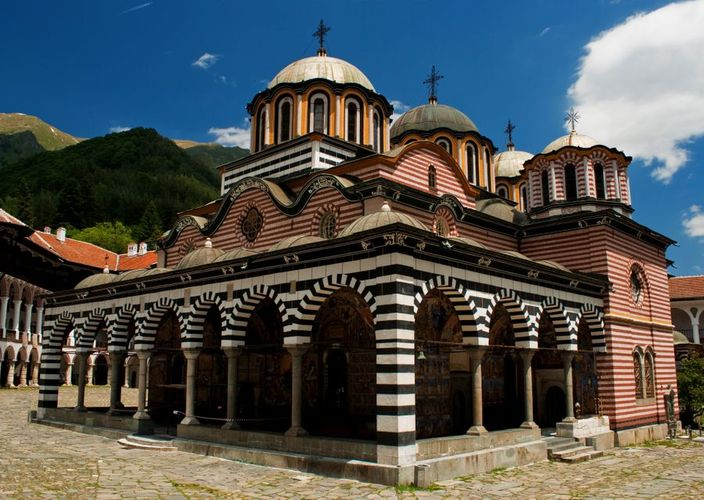 Hiking in Bulgaria's Rila Mountain to Rila Monastery