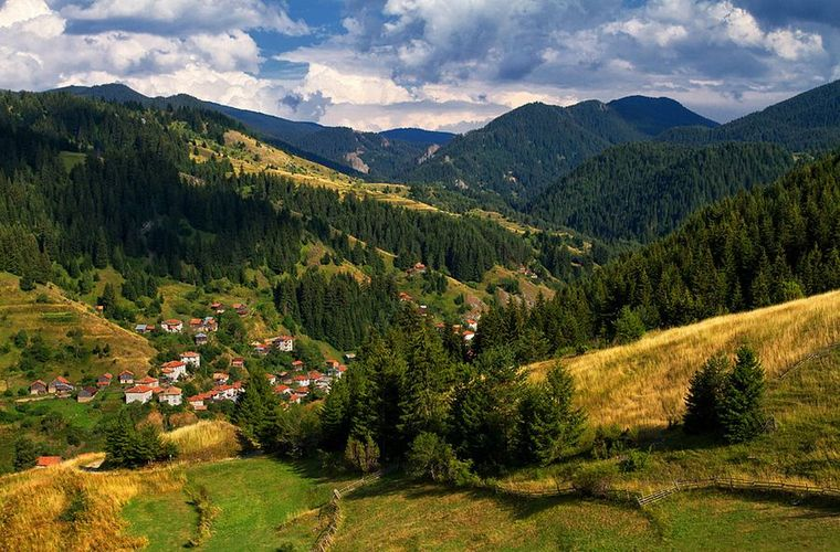 Hiking in the Rhodopes in the Bansko Region