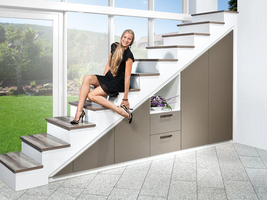 Treppenverbau mit Fronten