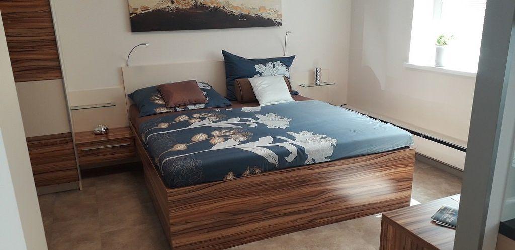 11 Schlafzimmer