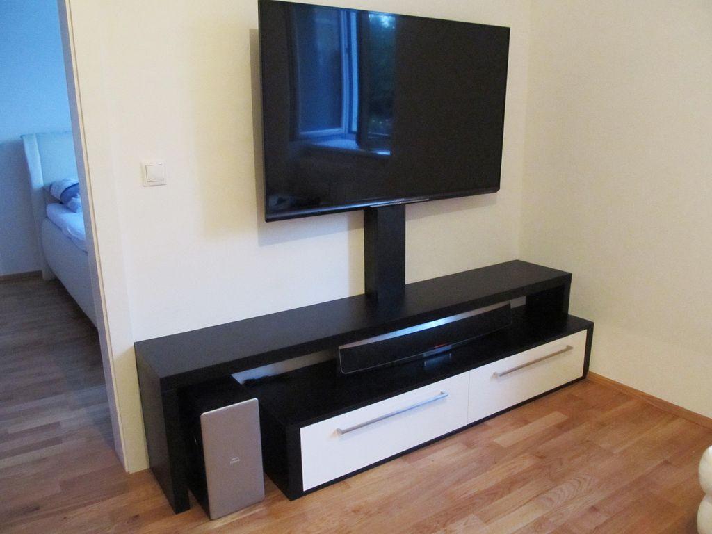 TV-Anrichte
