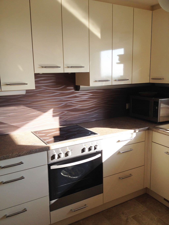U-Küche mit Heizkörperverbau