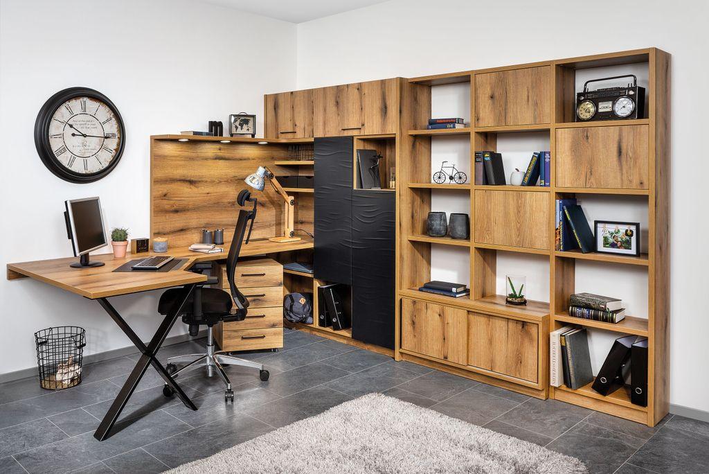Büro mit Bücherwand
