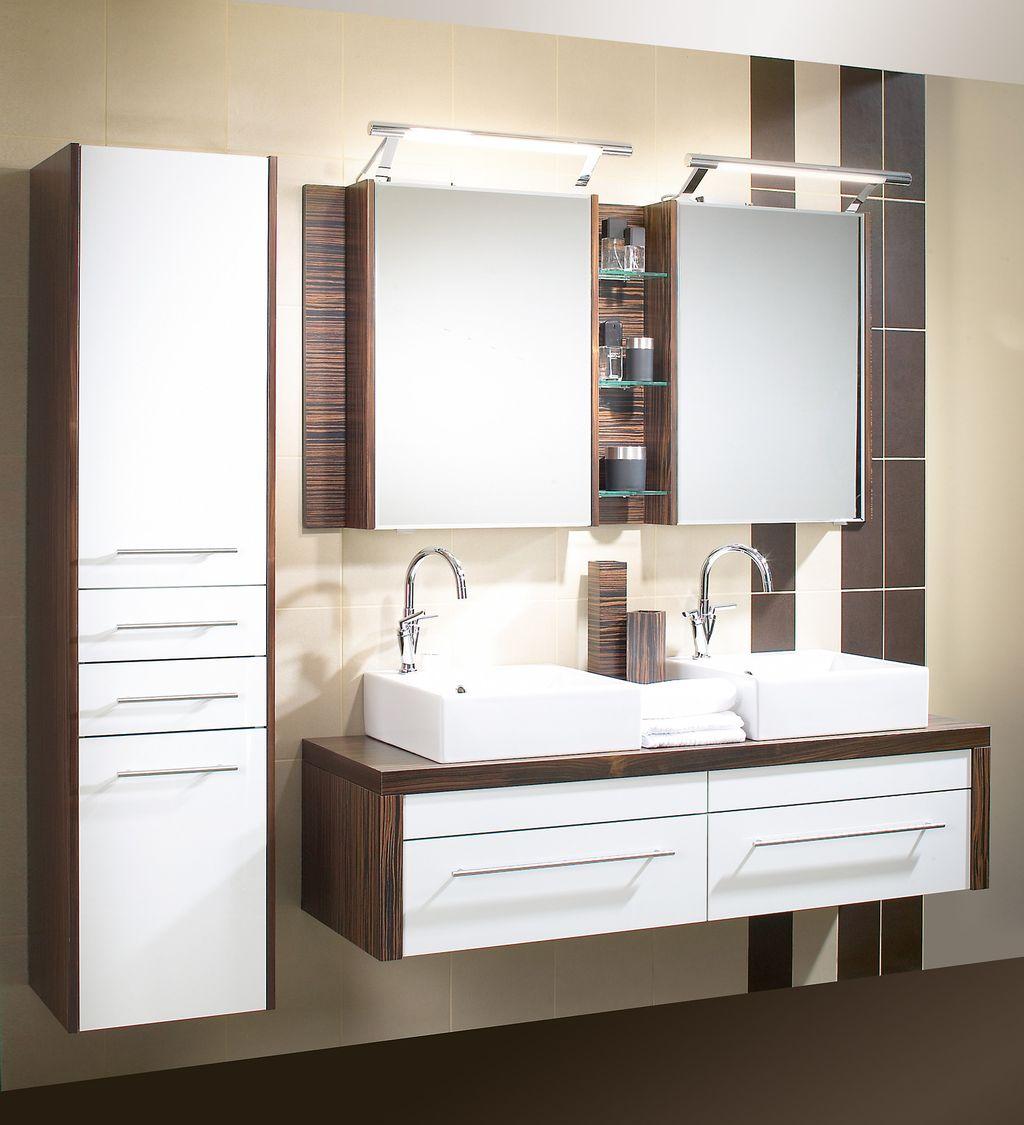 Doppelbad mit Keramik-Aufsatzwaschbecken