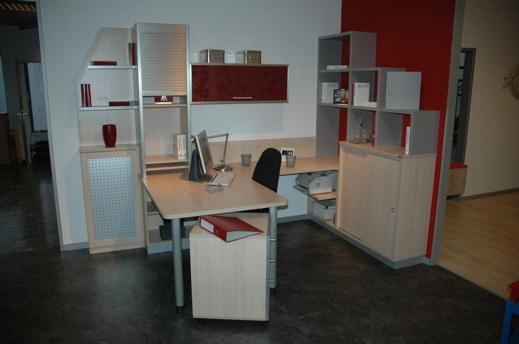 Büro 04