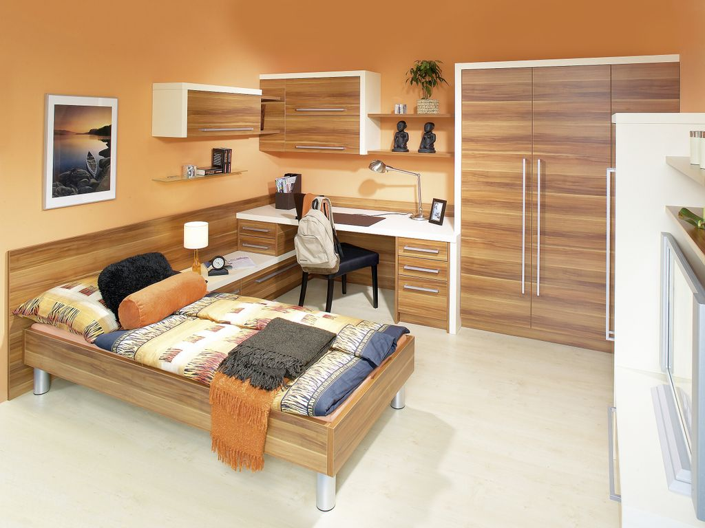 Single Einbettzimmer mit Schreibtischlösung