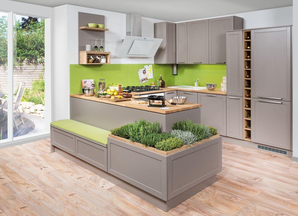 U-Küche mit Raumteiler