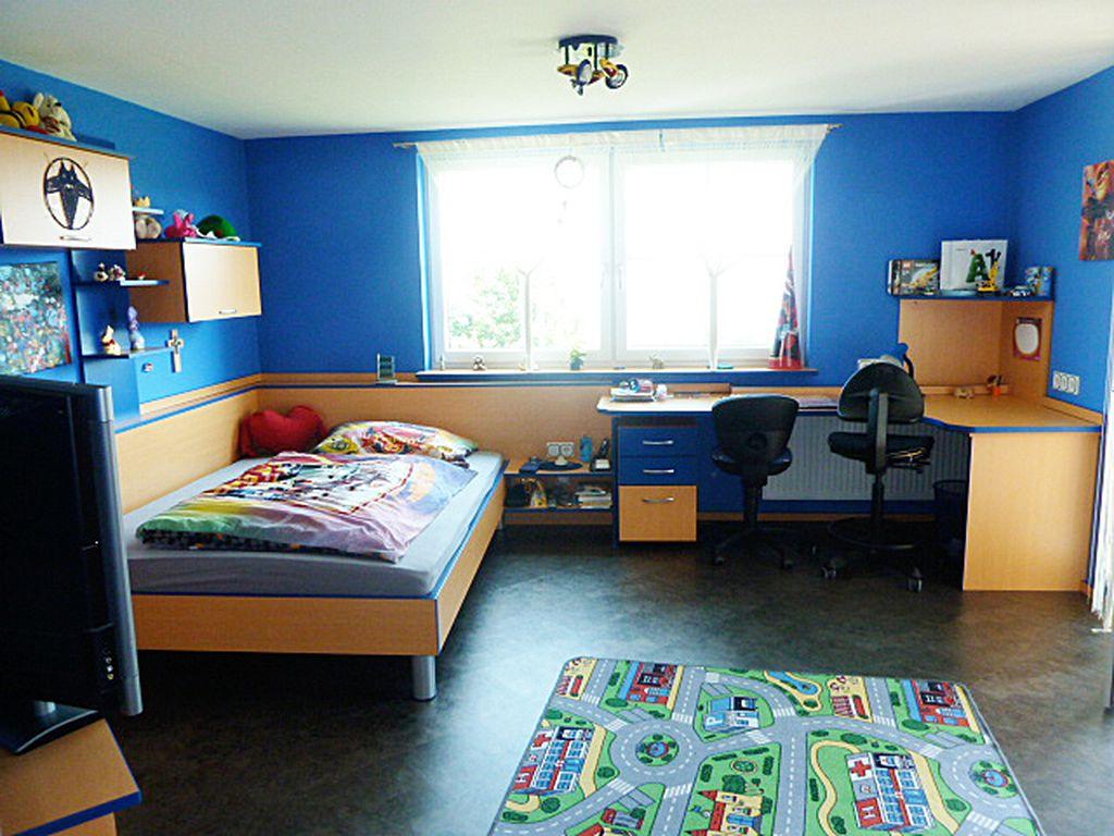Jugendzimmer mit Schrankraum