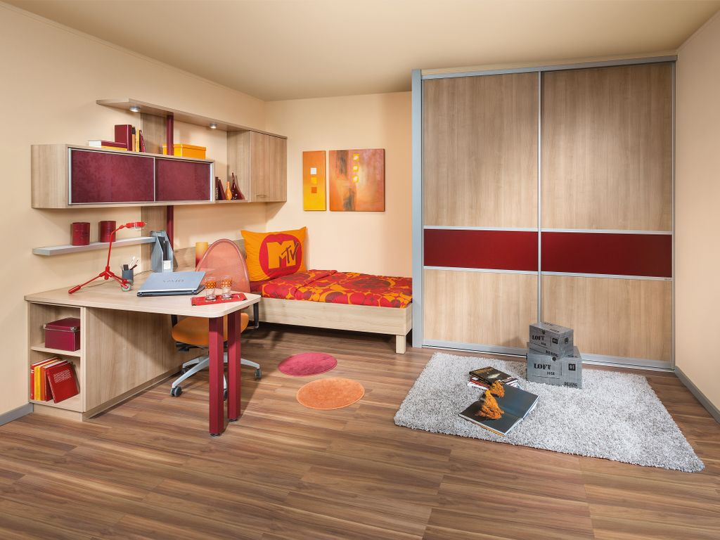 Jugenzimmer mit Indoor-Schiebetürschrank
