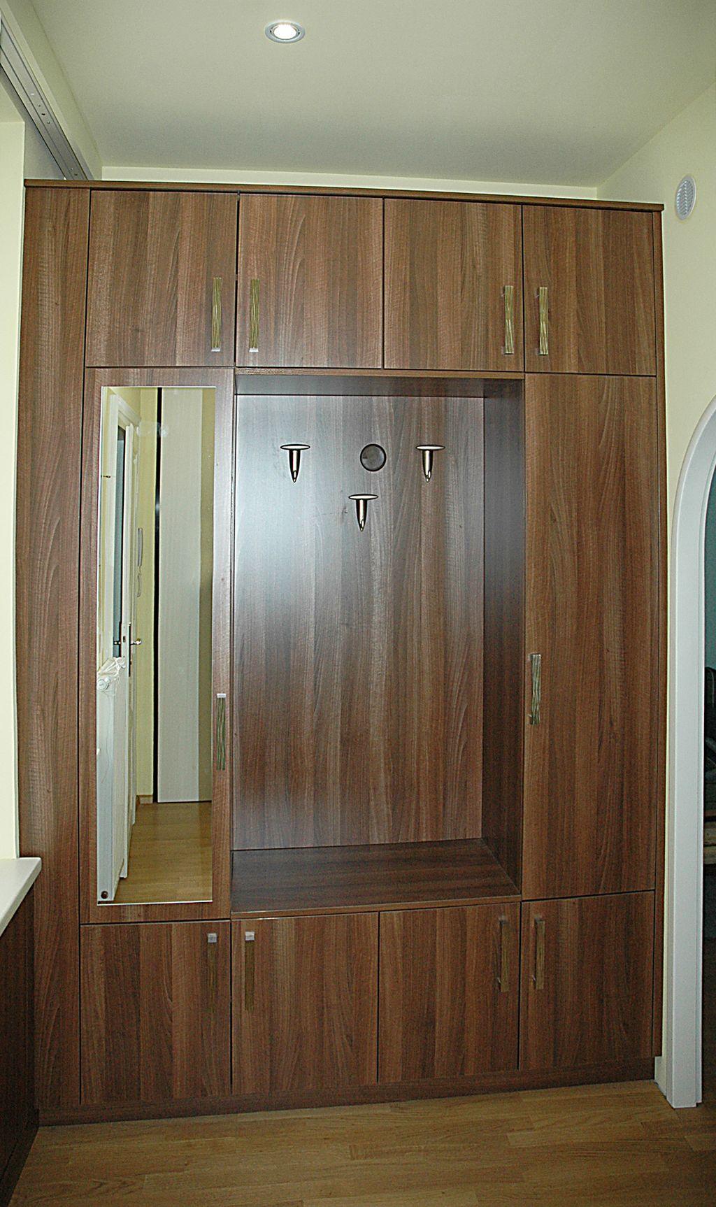 Vorzimmer mit Garderobe