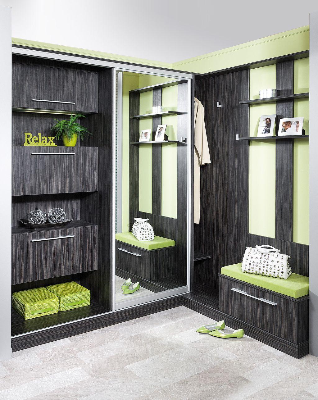 Vorzimmer mit Indoor-Schiebetür