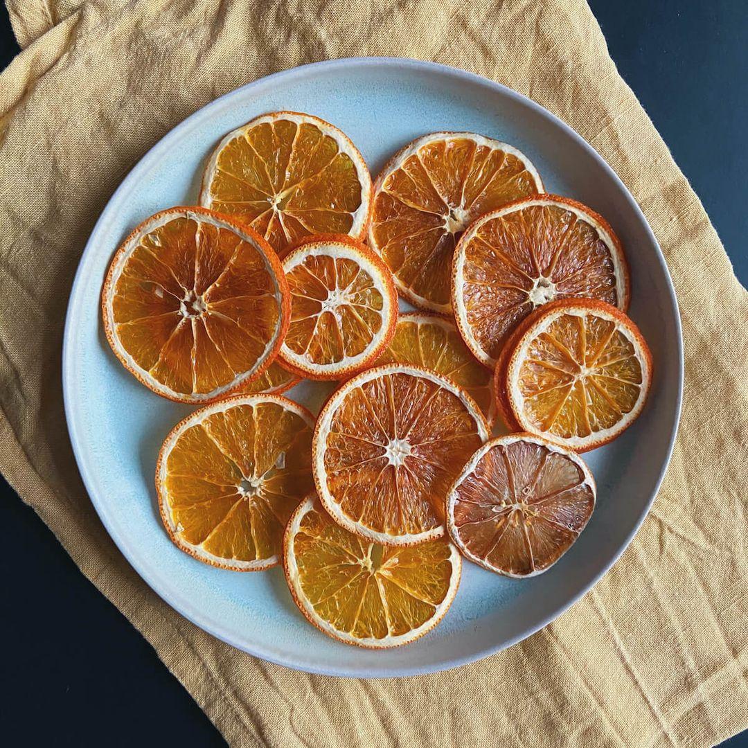 https://a.storyblok.com/f/88421/1200x1200/fbf97aa72c/toerret-appelsin-til-drinks.JPG
