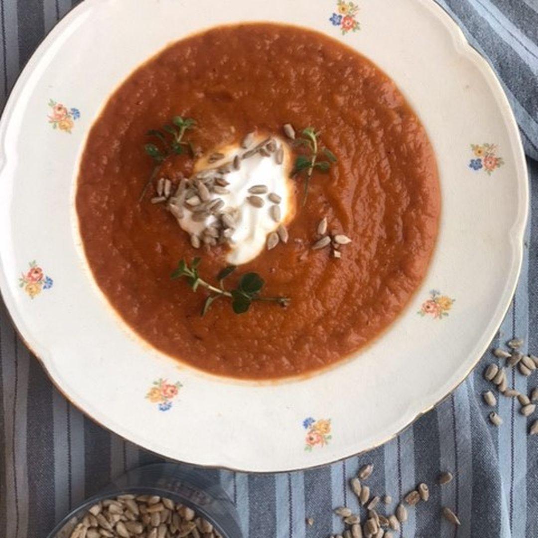 https://a.storyblok.com/f/88421/481x640/60b87c99e9/tomat-suppe.jpg
