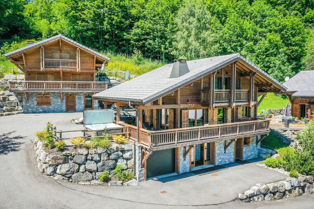 Exterior view of Balata luxury chalet in Morzine