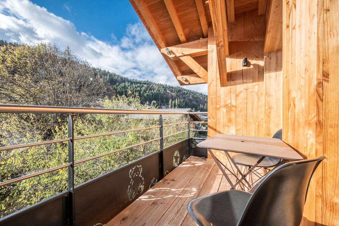 Terrace with mountain views at Etoile accommodation in Morzine