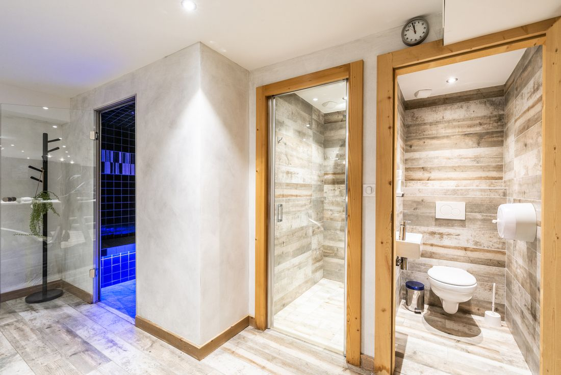 Spa area with hammam and sauna at Street view of Etoile accommodation in Morzine