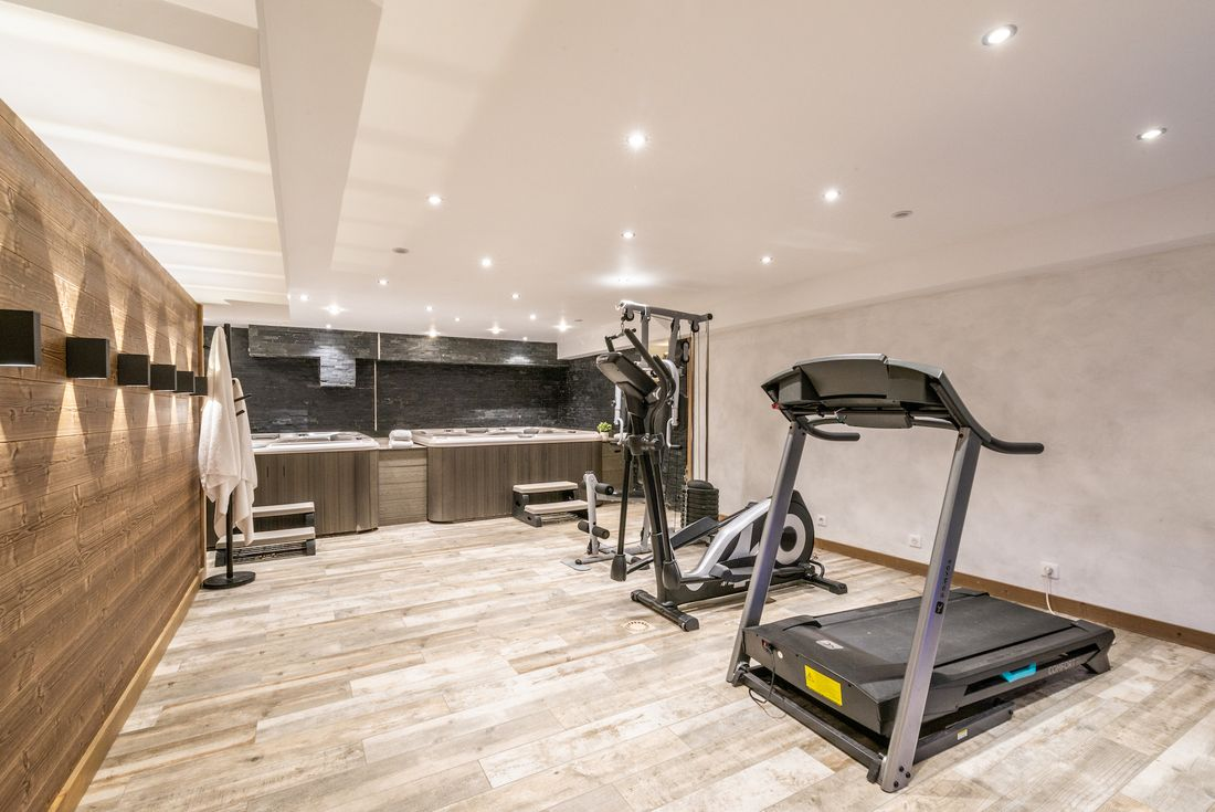 Gym and hot tub area at Street view of Etoile accommodation in Morzine