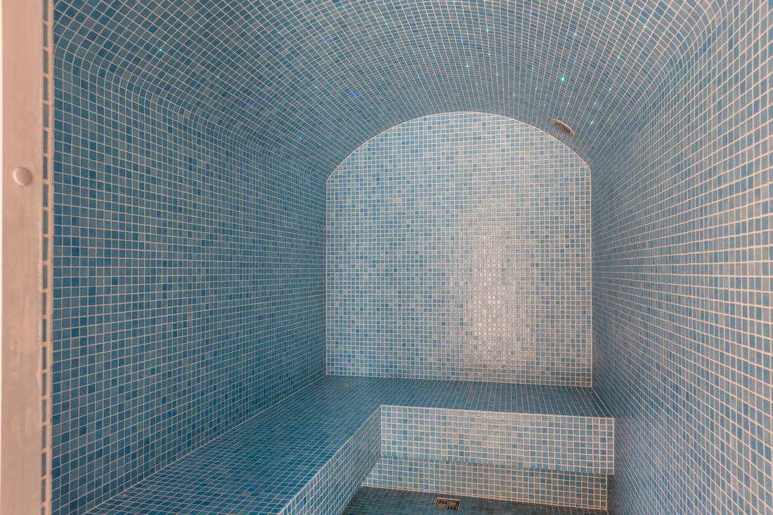 Blue hammam at Sugi accommodation in Morzine