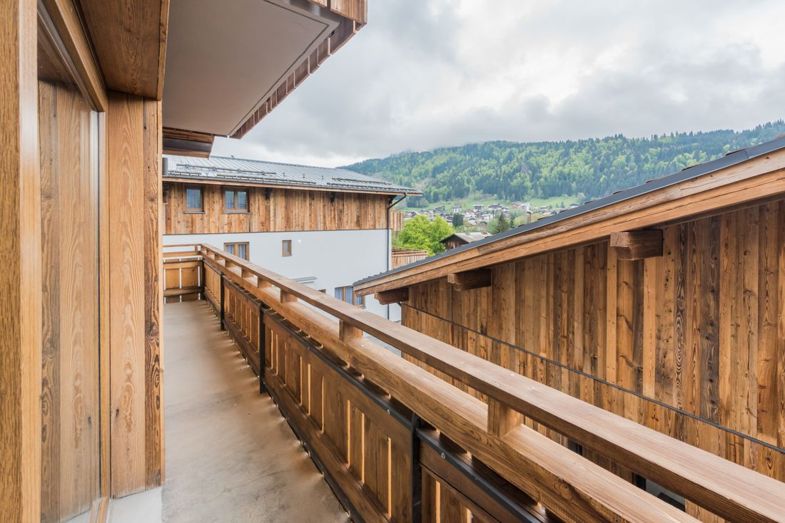 Terrace with mountain views of Meranti accommodation in Morzine