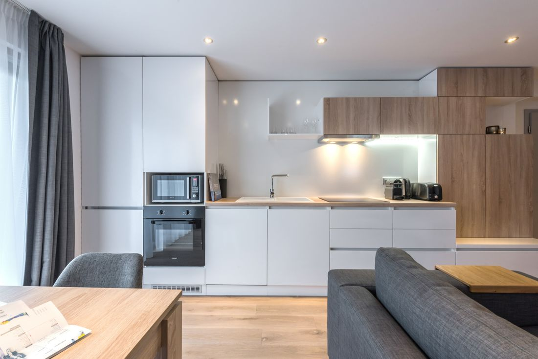 Fully-equipped kitchen of Iroko accommodation in Morzine