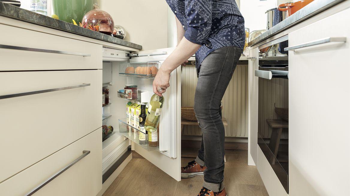 Einbaugeräte in Küche.