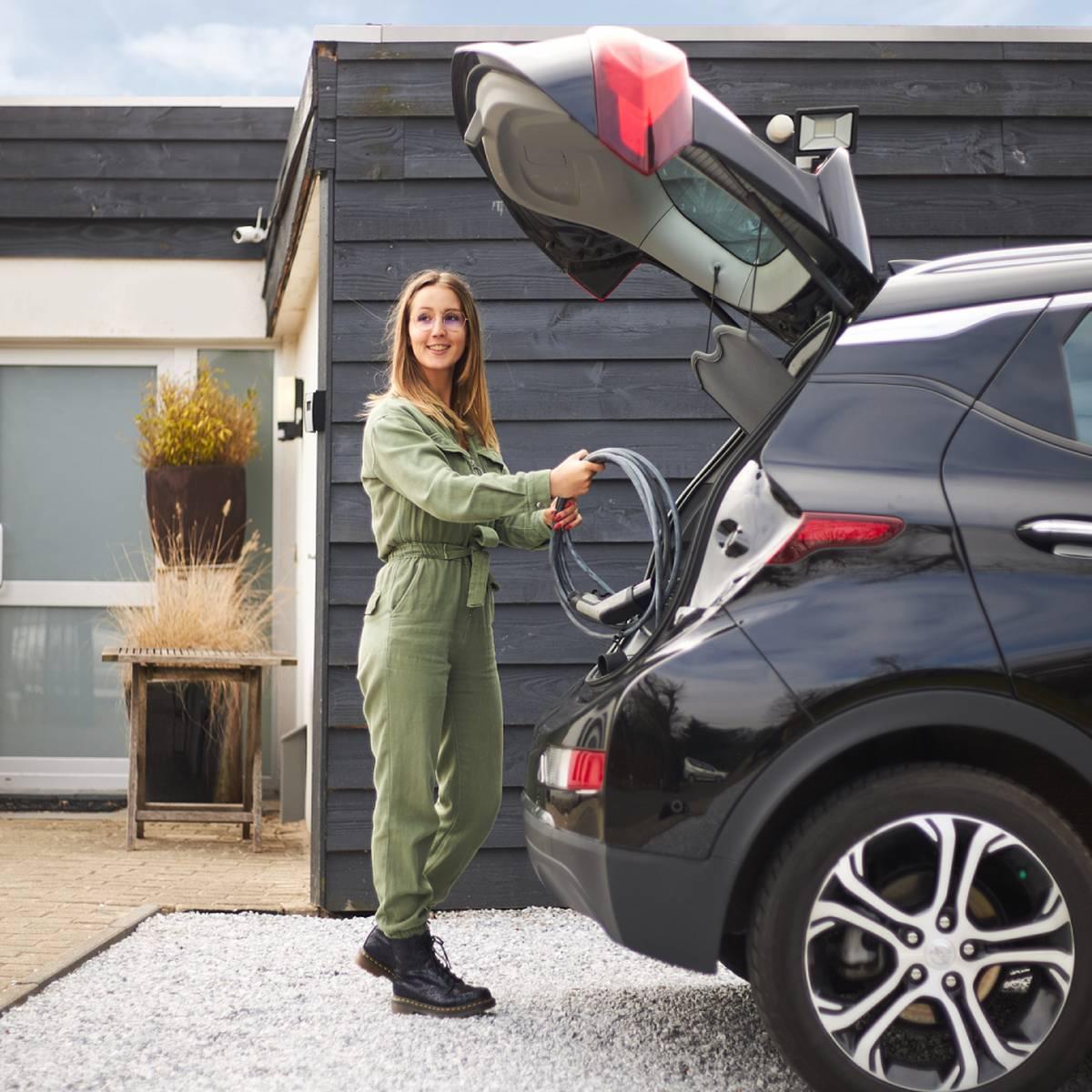 women opening a trunk