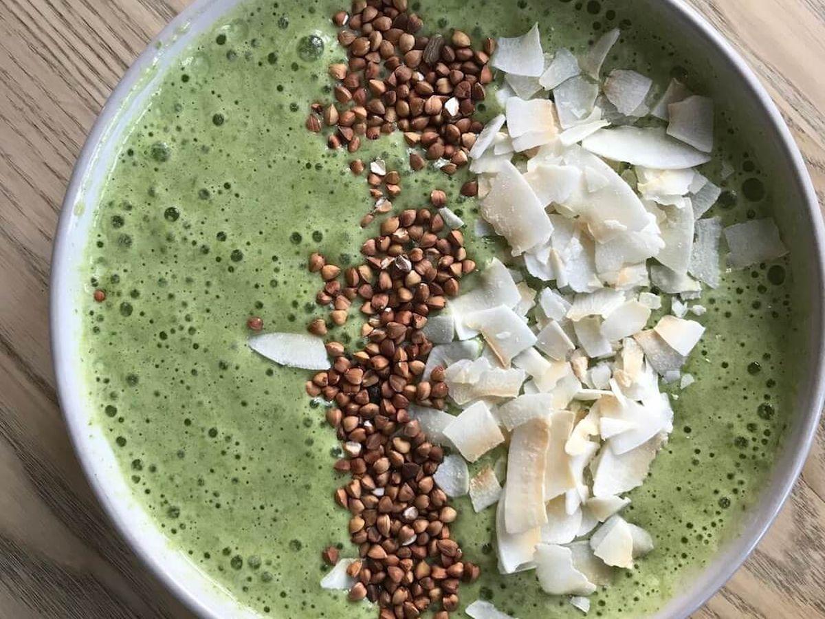 Grøn smoothie med spinat og appelsin