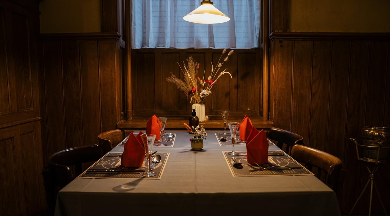 Et bord hos Café og Ølhalle '1892' under Arbejdermuseet