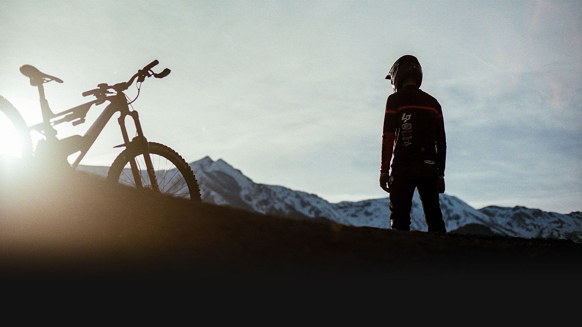 Cover shot Defy gravity Campaign - Electric Enduro Mountain Bikes