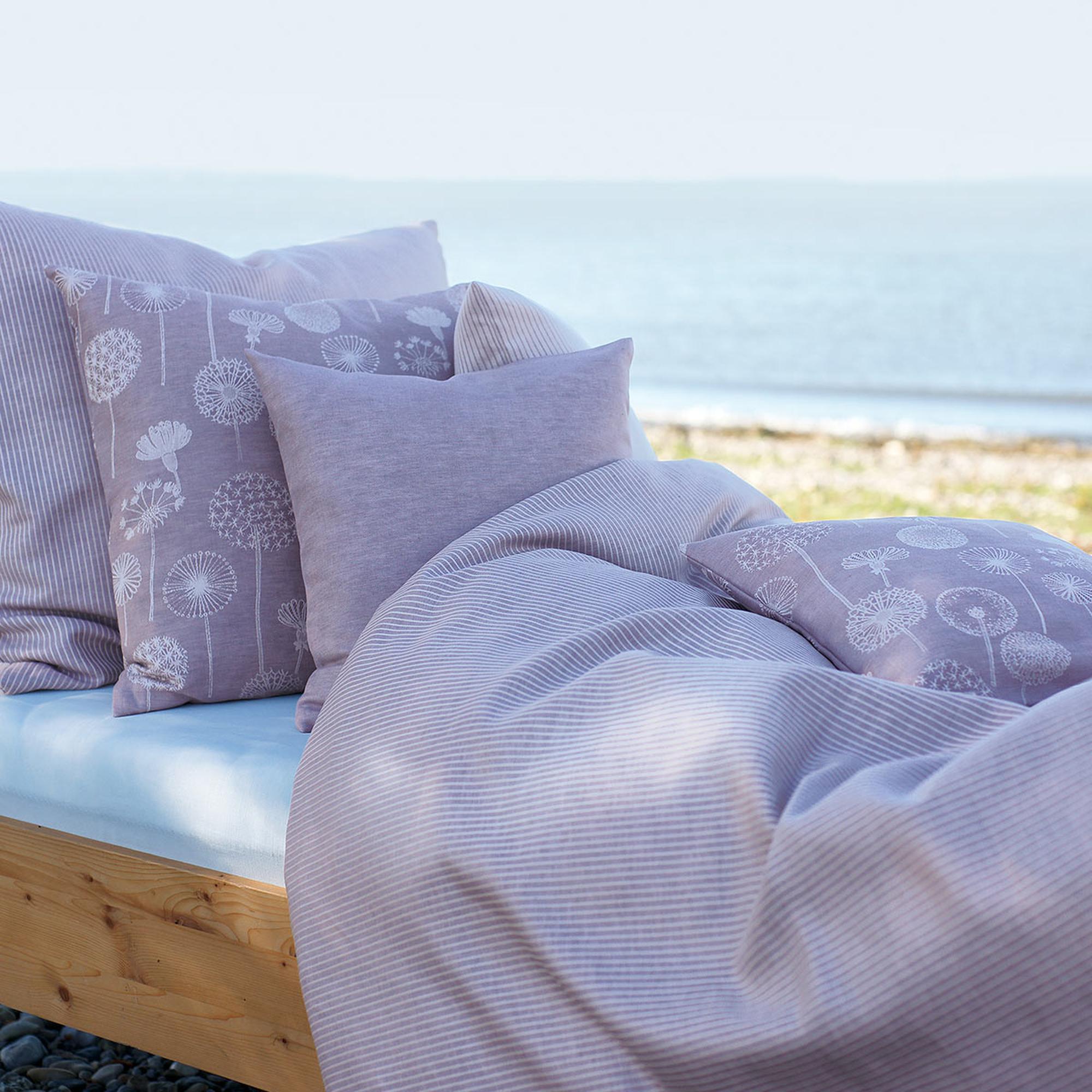 Bettwäsche aus Halbleinen © Stickerei Übelhör