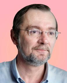 Jan Vanthienen in front of red pink background