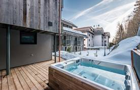 Private hot tub at Badi luxury chalet in Chamonix