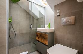 Bathroom with shower at Badi luxury chalet in Chamonix