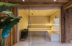 Modern bathroom at Kauri accommodation in Morzine