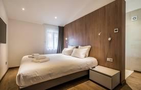 Double bedroom of Kauri accommodation in Morzine