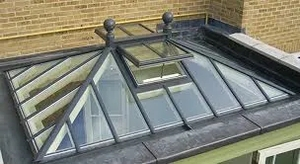 Roof lantern with a traditional look