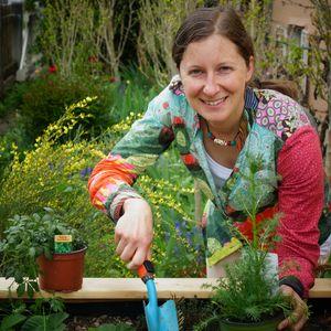 Nina Kienreich im Garten