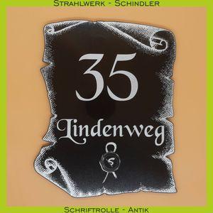 hausnummer_schriftrolle-antik_strahlwerk-schindler
