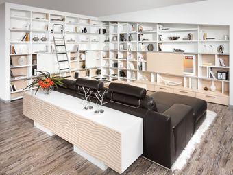 Wohnzimmer Dachschrägenlösung dem Küchendesign angepasst