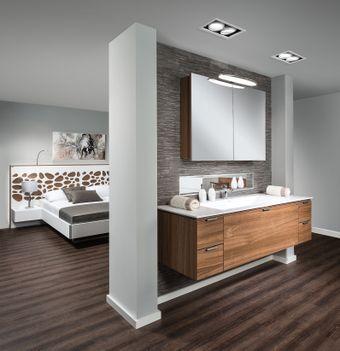Badezimmer im Schlafraum integriert