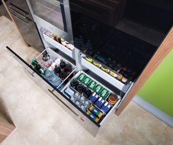 Stauraumlösung für Getränke und Lebensmittel mit Innen- und Vollauszugsladen