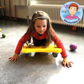 Gymles voor kleuters met rollerboards 2, kleuteridee
