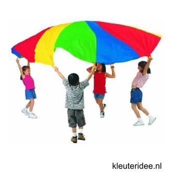 Gymles voor kleuters met parachute 2, kleuteridee.nl