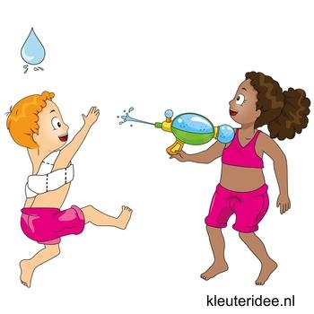 Waterspelletjes voor kleuters, kleuteridee, spel 6,wedstrijd met waterpistool en toiletpapier