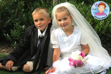 Kleuters maken een trouwreportage van elkaar 8, kleuteridee.nl, thema fotograaf, Kindergarten Photgrapher theme.